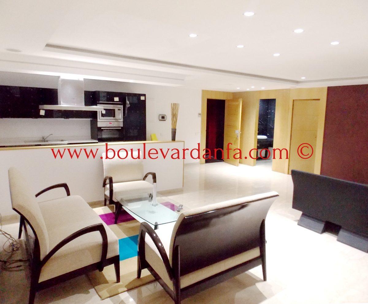 tr s joli appartement meubl de 2 chambres louer gauthier. Black Bedroom Furniture Sets. Home Design Ideas