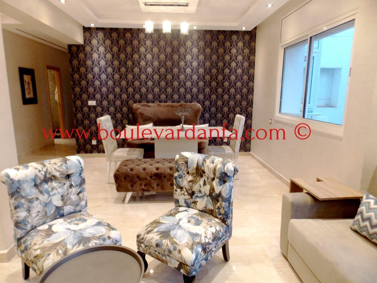 tr s joli appartement meubl de 104m louer ain diab. Black Bedroom Furniture Sets. Home Design Ideas